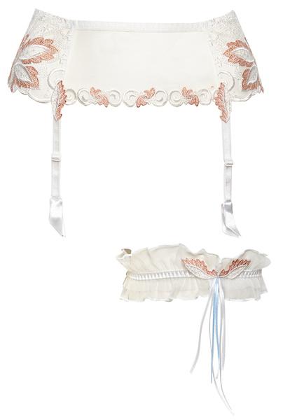 Не платьем единым: 8 лучших коллекций свадебного белья | галерея [2] фото [10]