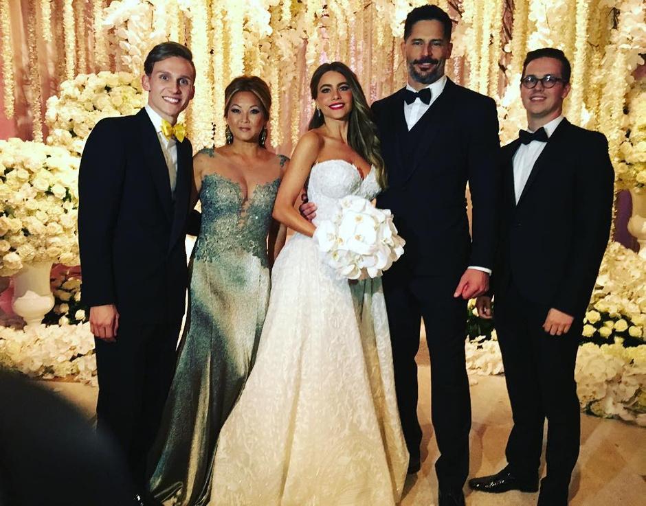 Свадьба Софии Вергары и Джо Манганьелло