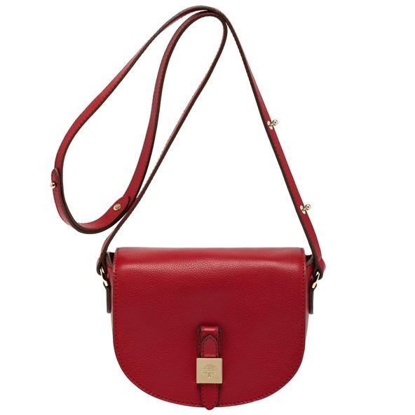 Маленькая сумка на ремне: фото