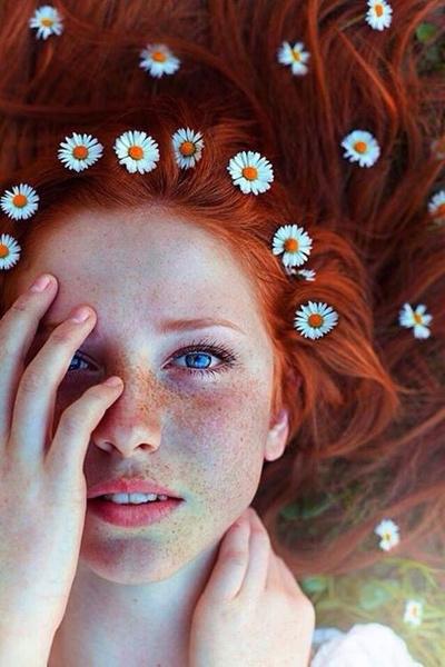 Как украсить цветами свадебную прическу | галерея [5] фото [2]