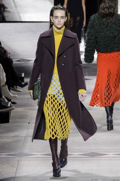 Самые красивые образы Недели моды в Лондоне | галерея [1] фото [41]