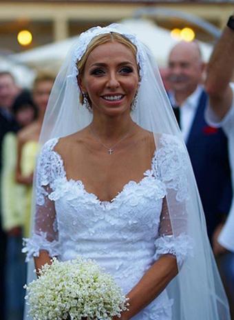 Татьяна Навка в платье Valentin Yudashkin