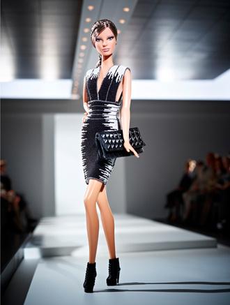 Herve Leger by Max Azria создал наряды для Barbie