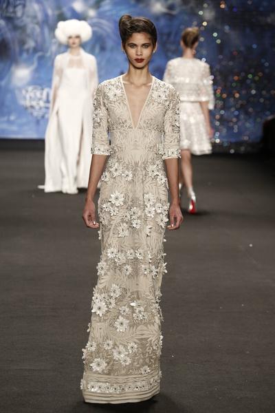 Самые роскошные вечерние платья Недели моды в Нью-Йорке | галерея [3] фото [3]