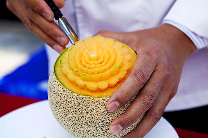 Карвинг из овощей и фруктов фото