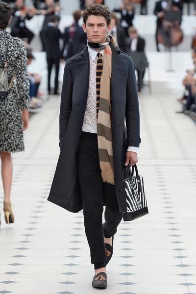 Показ Burberry Prorsum на Неделе мужской моды в Лондоне | галерея [2] фото [31]