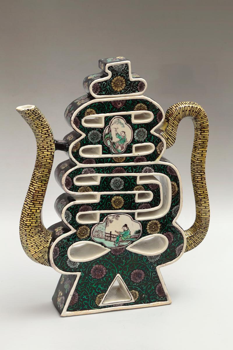 Сосуд для вина в виде иероглифа «Шоу», Китай, начало 19 в.