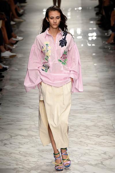 Неделя моды в Милане: день третий   галерея [1] фото [11]