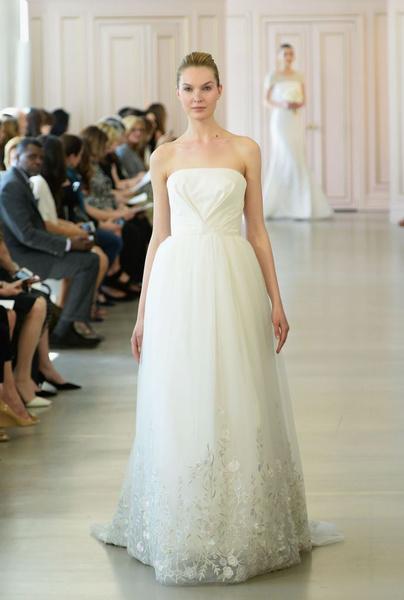 Дом Oscar de la Renta представил новую свадебную коллекцию | галерея [1] фото [17]