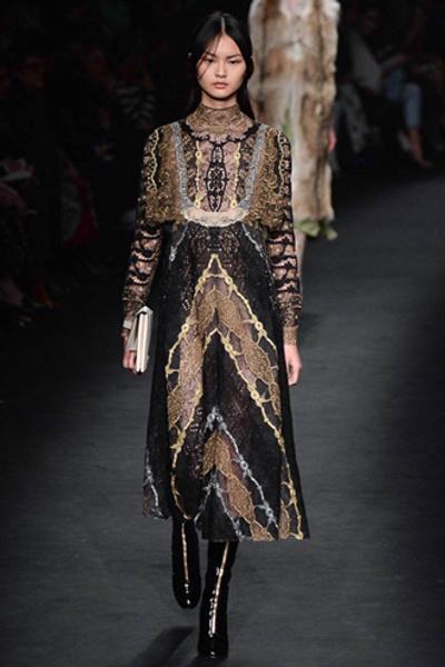 Неделя моды в Париже: показ Valentino ready-to-wear осень — зима 2015-2016 | галерея [1] фото [37]