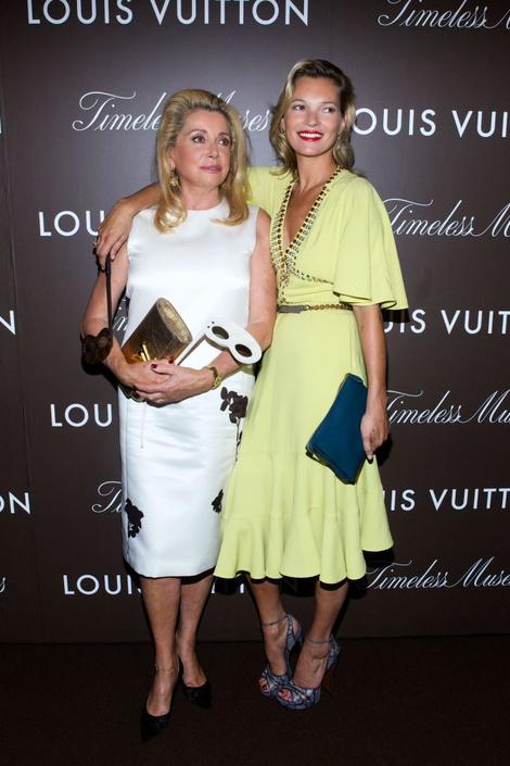 Катрин Денев и Кейт Мосс на открытии выставки Louis Vuitton «Timeless Muses»