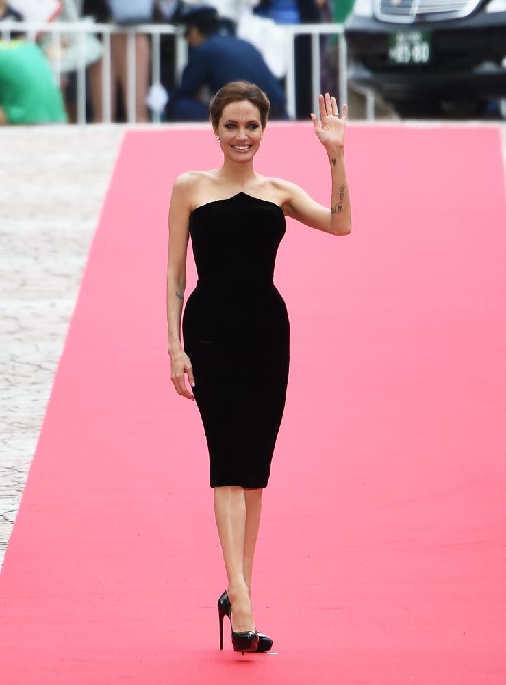 Анджелина Джоли на ковровой дорожке