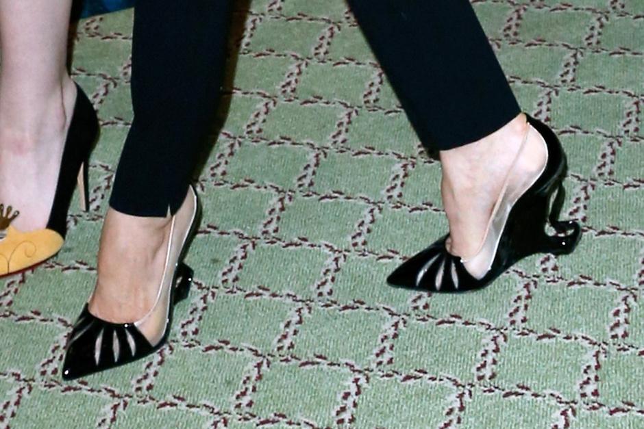 Christian Louboutin создал специальную модель туфель для Анджелины Джоли