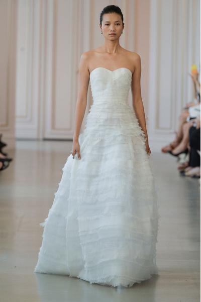 50 самых красивых платьев со Свадебной Недели Моды в Нью-Йорке | галерея [1] фото [42]