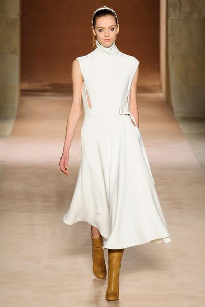 Показ Victoria Beckham на Неделе моды в Нью-Йорке | галерея [1] фото [7]