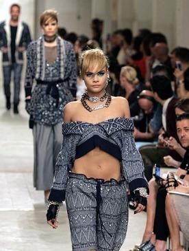 Круизная коллекция Chanel в Сингапуре: show must go on
