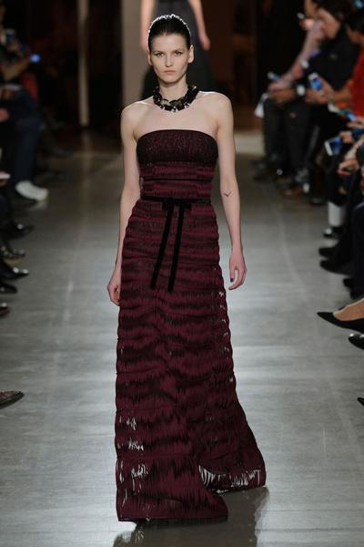 Показ Oscar de la Renta на Неделе моды в Нью-Йорке | галерея [1] фото [14]