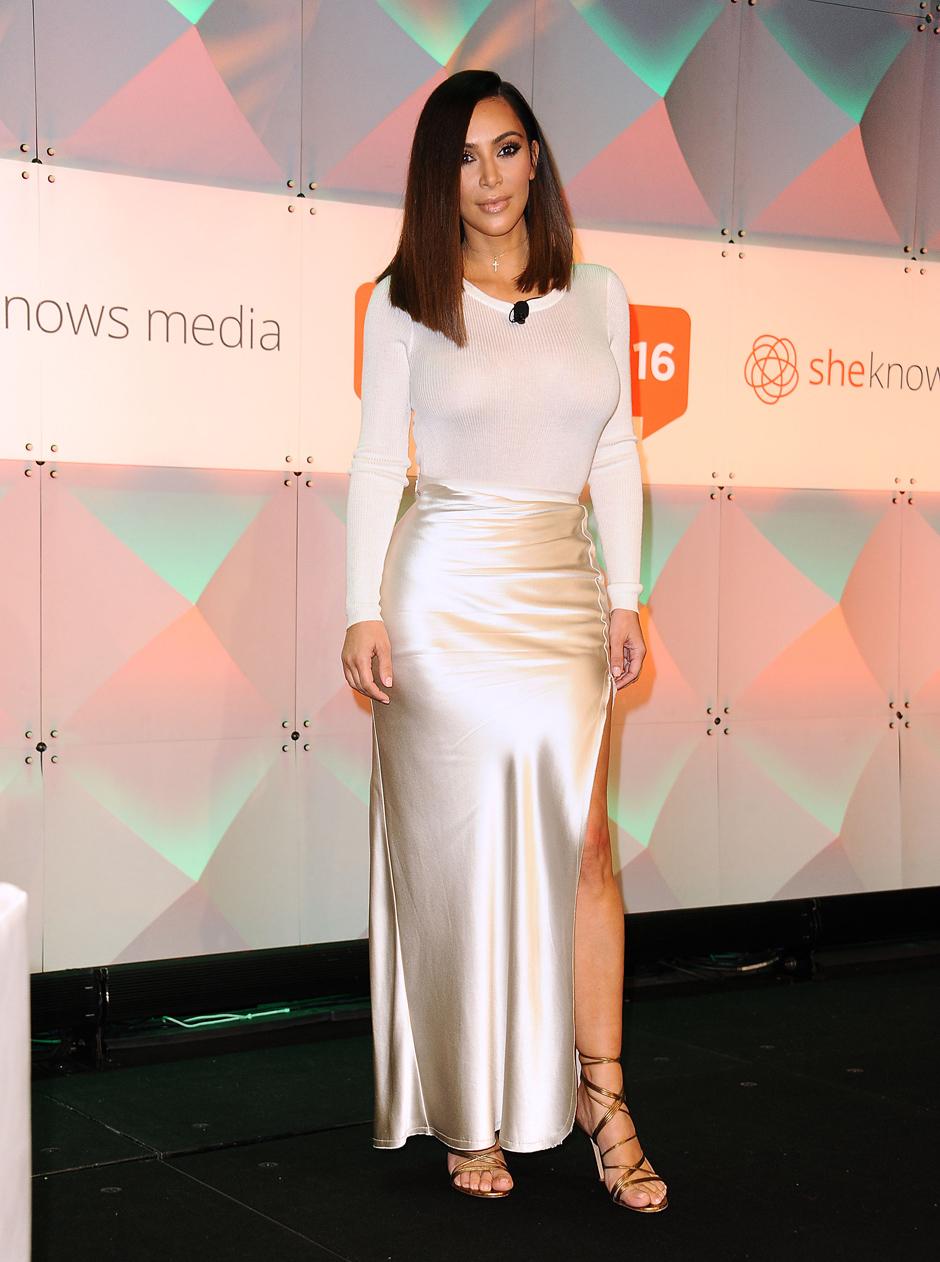 Ким Кардашьян опровергла слухи о пластической операции