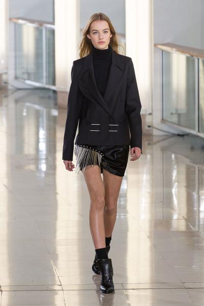 Показ Anthony Vaccarello на Неделе моды в Париже | галерея [2] фото [7]