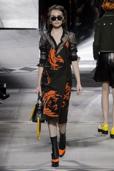 Самые красивые образы Недели моды в Лондоне | галерея [1] фото [42]