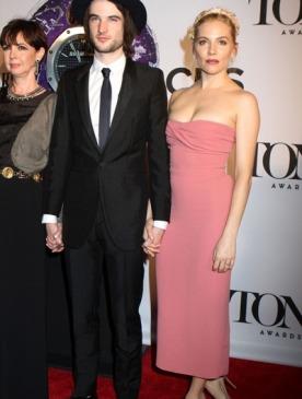 Лучшие платья церемонии Tony Awards 2013
