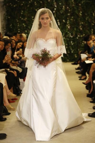 Показ Carolina Herrera на Неделе свадебной моды в Нью-Йорке | галерея [1] фото [14]