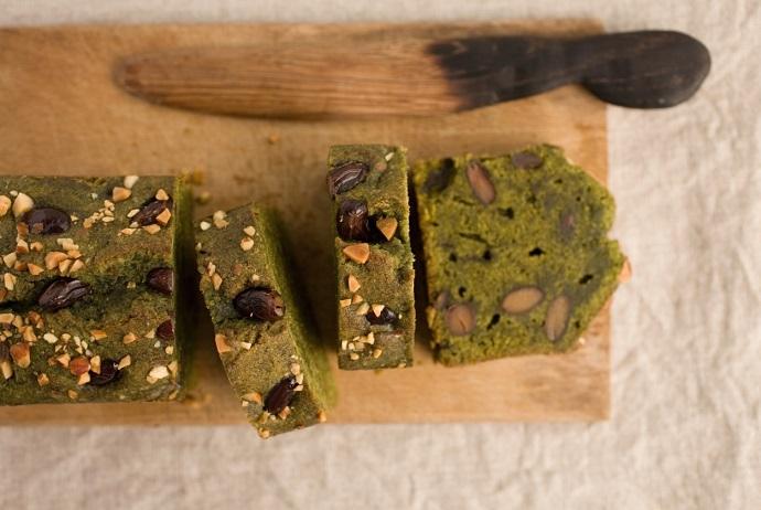 Кекс из зеленого чая с черной фасолью и тофу