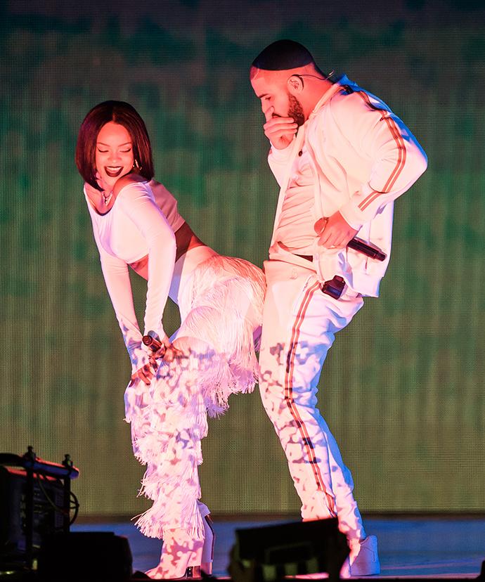 Выступление Рианны и Дрейка на фестивале Brit Awards