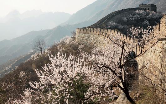 Великая стена в районе заставы Бадалин близ Пекина