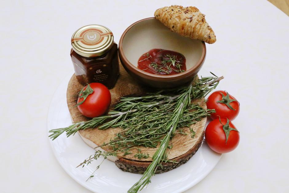 Варенье из томата и базилика