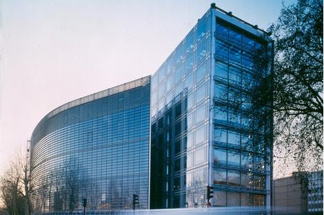Проснулся знаменитым: первые проектызвезд архитектуры | галерея [2] фото [2]