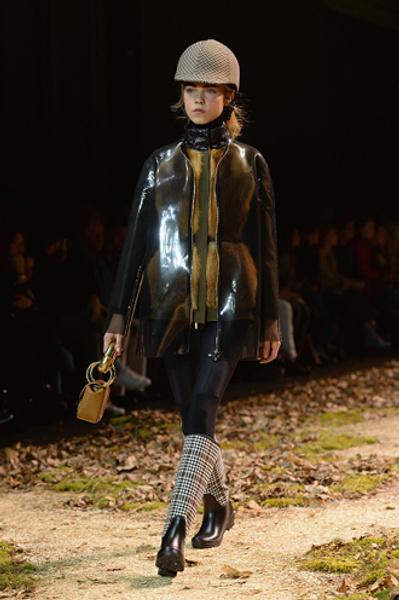 Неделя моды в Париже: показ Moncler Gamme Rouge осень-зима 2015/16 | галерея [1] фото [15]