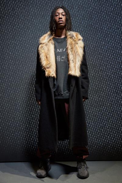 Yeezy Season 5: что нужно знать о новой коллекции Канье Уэста | галерея [1] фото [6]