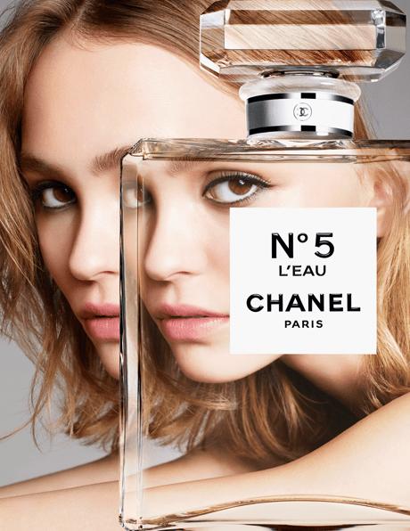 Лили-Роуз Депп в рекламной кампании аромата Chanel №5 L'Eau