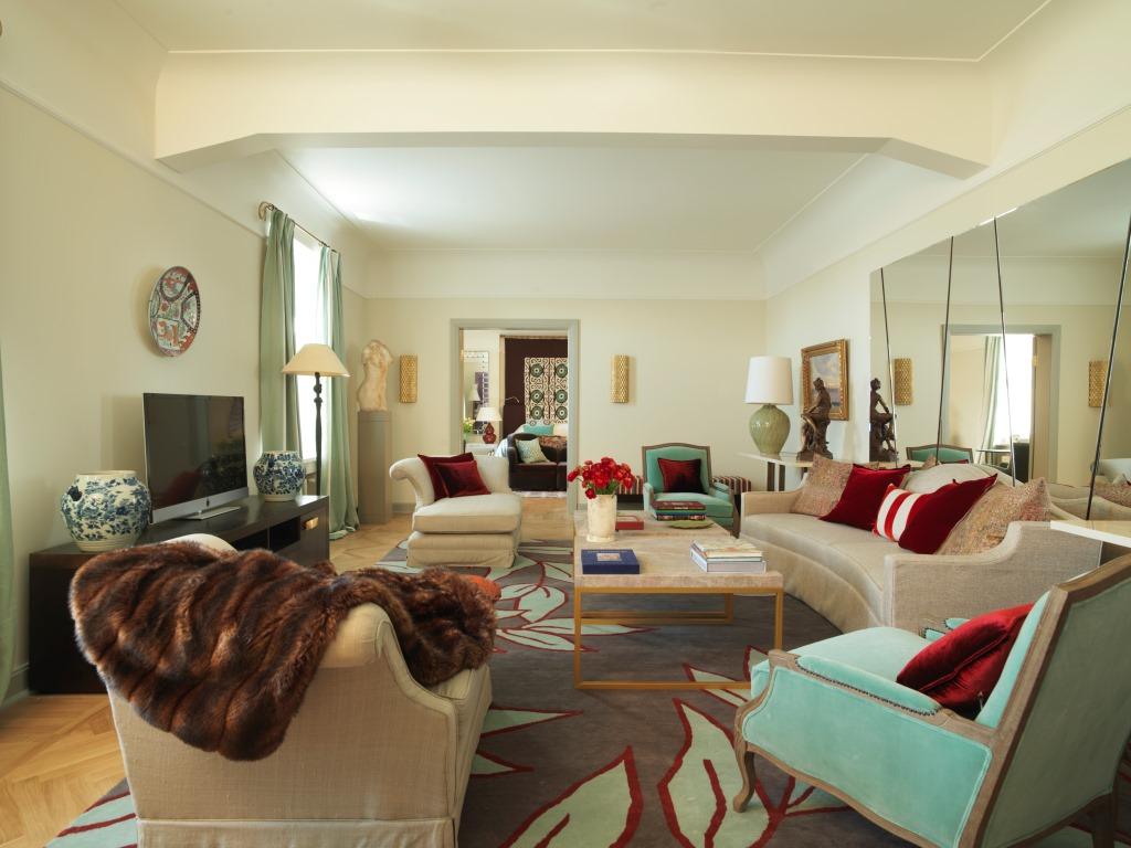 В отеле «Астория» в Санкт-Петербурге открылись Царские апартаменты