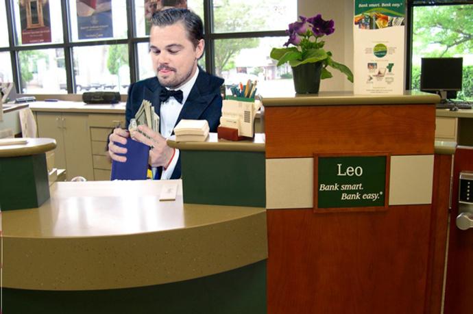 Леонардо Ди Каприо в банке