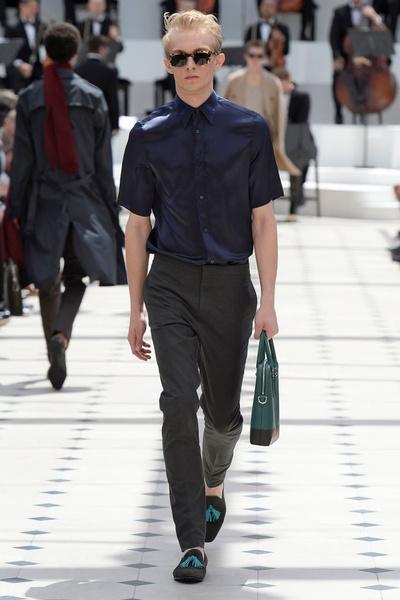 Показ Burberry Prorsum на Неделе мужской моды в Лондоне | галерея [2] фото [8]