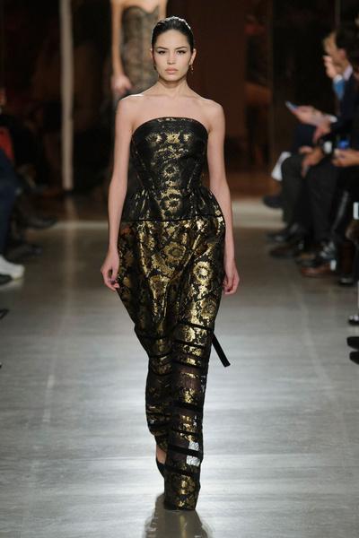 Показ Oscar de la Renta на Неделе моды в Нью-Йорке | галерея [1] фото [7]