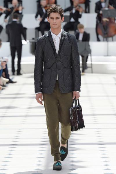 Показ Burberry Prorsum на Неделе мужской моды в Лондоне | галерея [2] фото [3]