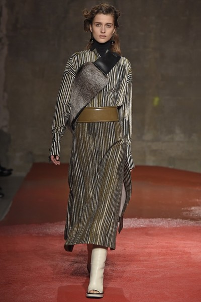 Неделя моды в Милане: 1 марта | галерея [1] фото [6]