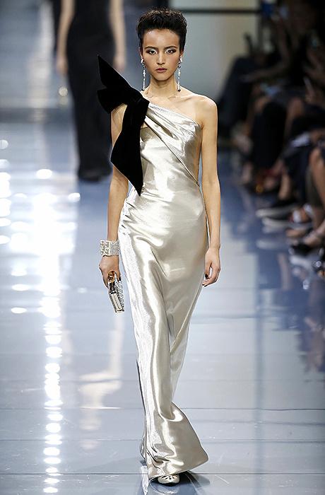 Показ Giorgio Armani Privé на Неделе моды в Париже