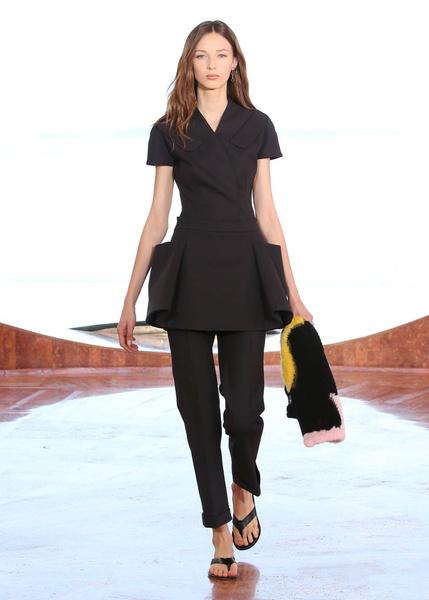 Показ круизной коллекции Dior в Каннах | галерея [1] фото [15]