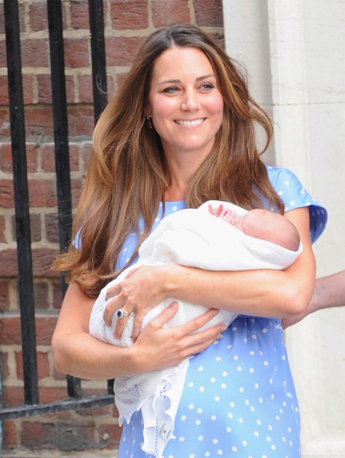 Кейт Миддлтон с новорожденным Георгом