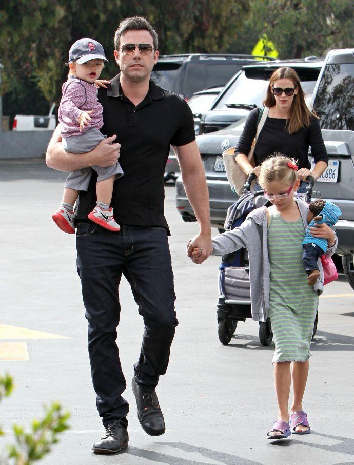 Бен Аффлек с семьей