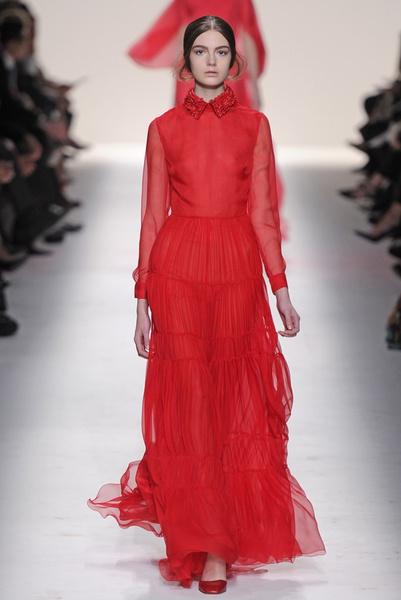 15 лучших красных платьев из осенне-зимних коллекций | галерея [1] фото [3]