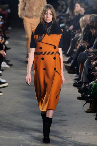 Самые красивые образы Недели моды в Нью-Йорке | галерея [1] фото [42]