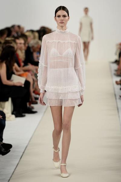 в Нью-Йорке прошел показ коллекции Valentino Sala Bianca