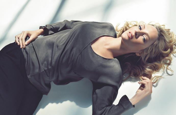 Смотреть Модные блузки 2019 года: актуальные модели видео