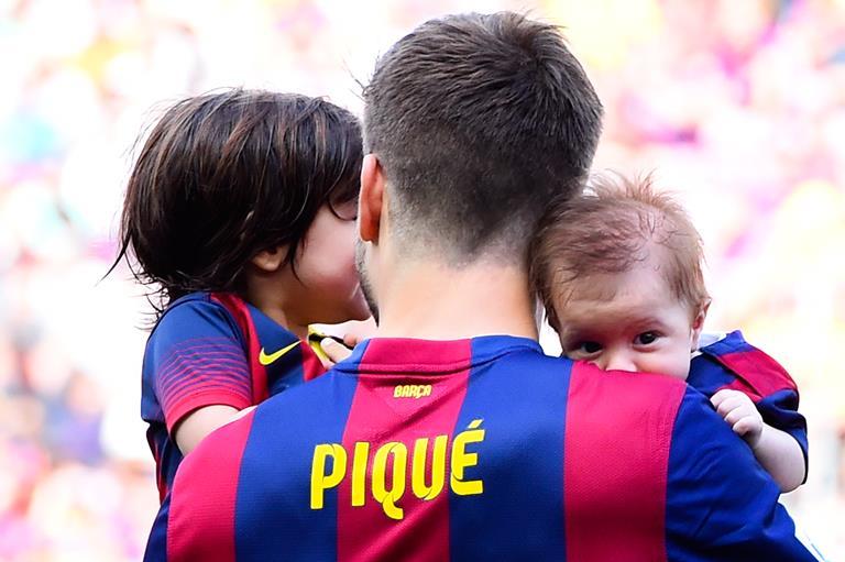 Жерар Пике с сыновьями