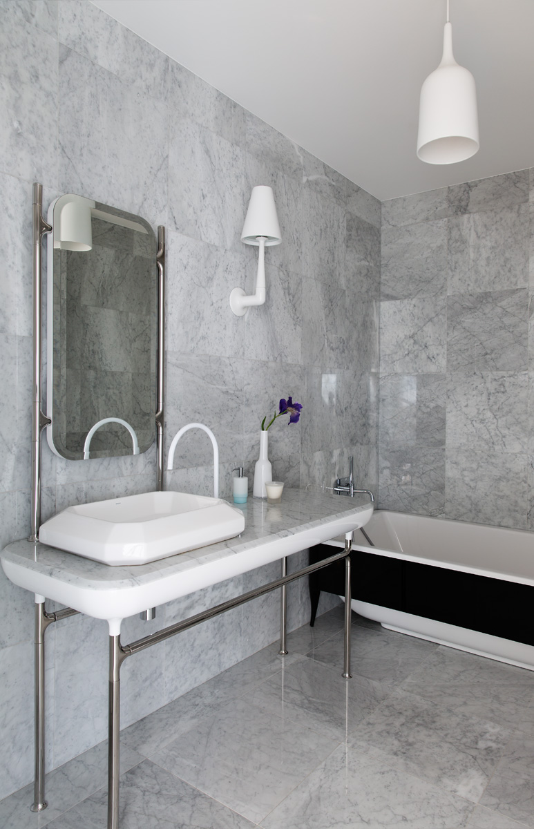 Ванная на первом этаже. Раковина, ванна, The Hayon Collection, Bisazza Bagno.